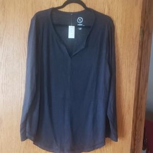 Maurices size 2 24/7 long sleeve shirt